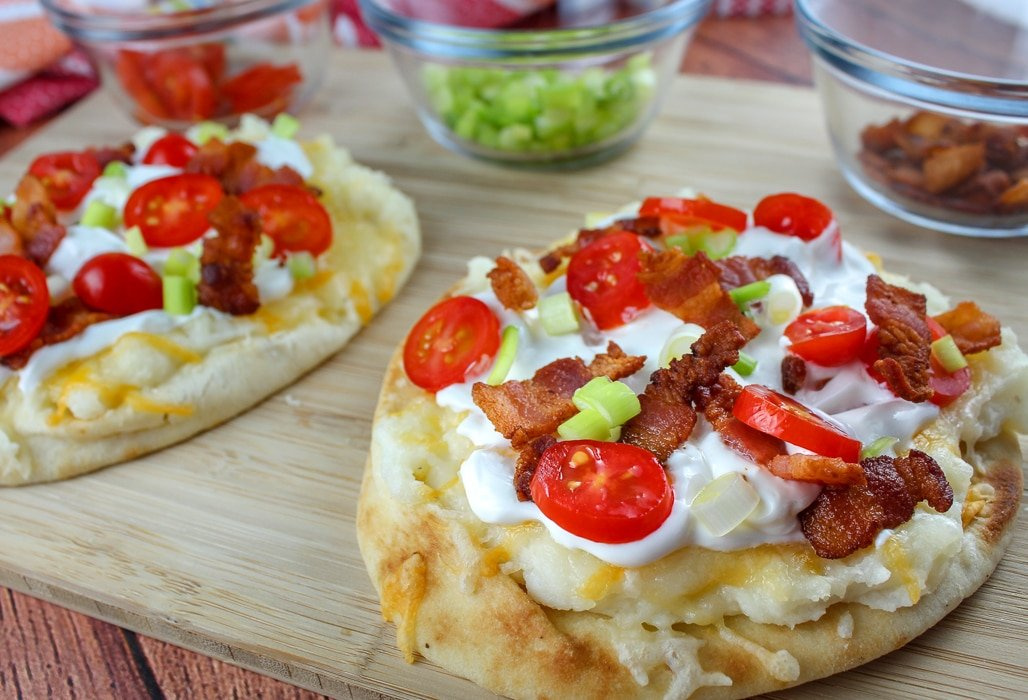 Copycat Loaded Mashed Potato Flatbread