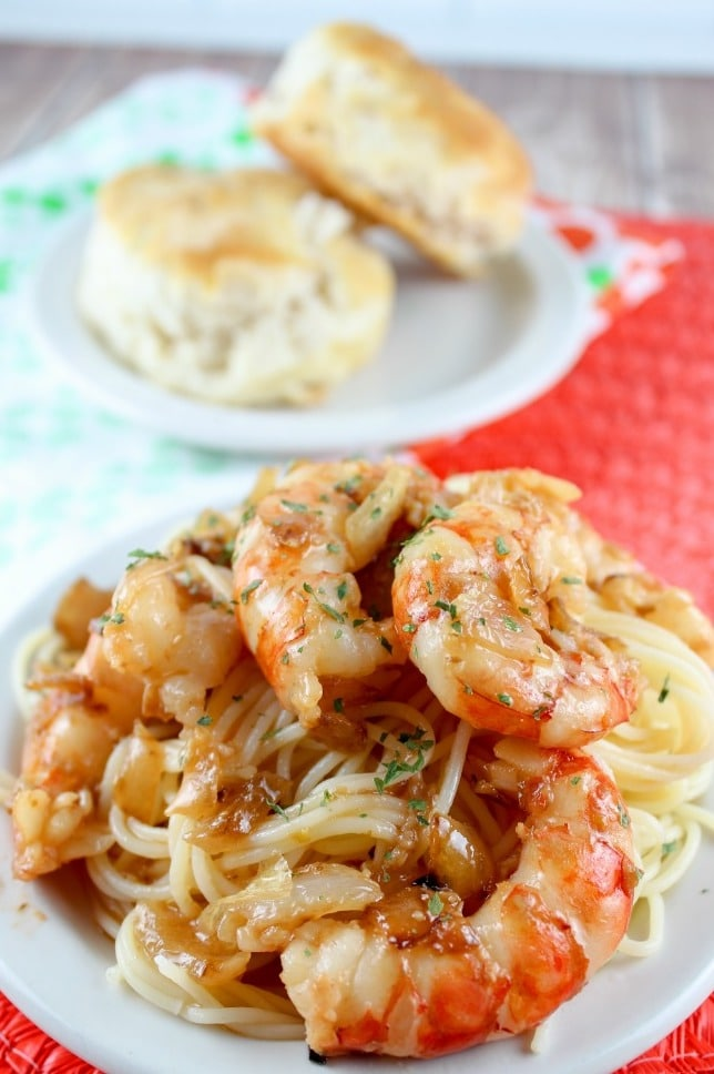 Olive Garden Shrimp Scampi is a delightfully light dish served over angel hair pasta with shrimp, garlic, butter & pasta – you'll love it! via @foodhussy