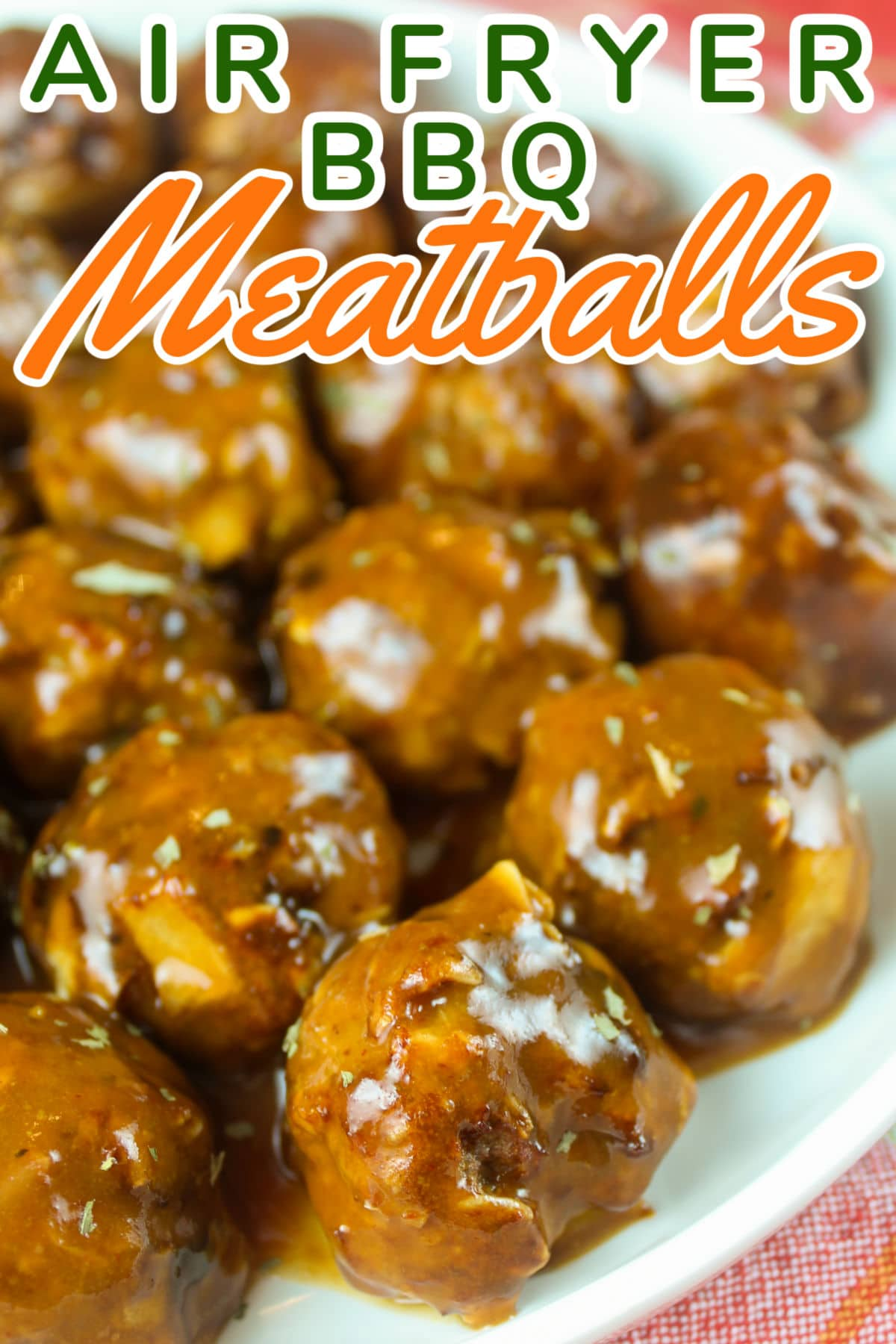 These Weight Watchers Meatballs are super healthy and range from 0-2 points on Weight Watchers (depending on your plan)! You wouldn't think something like BBQ Meatballs could be healthy! These are great on top of cauliflower rice or straight up with a toothpick and fresh veggies!  via @foodhussy