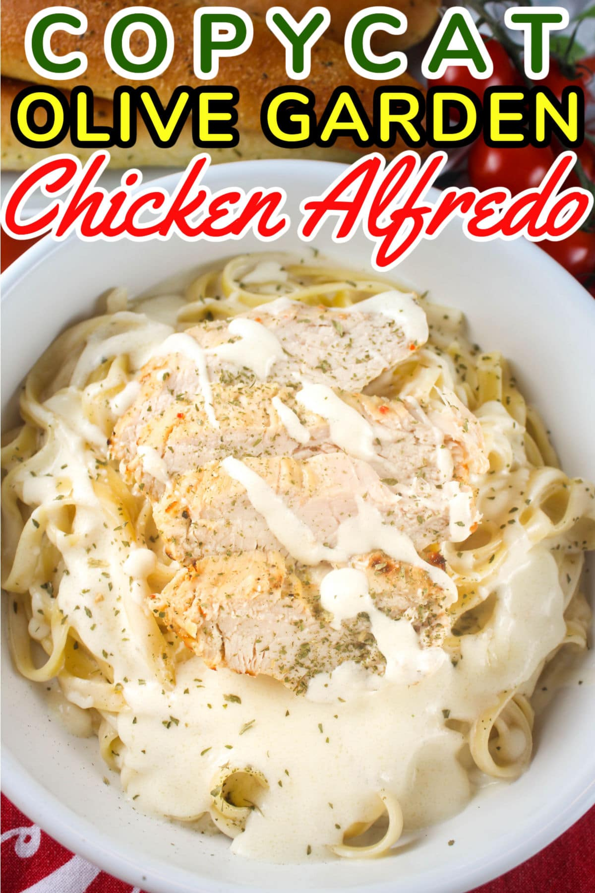Olive Garden Chicken Alfredo combines simple, fresh ingredients like butter, cream and parmesan cheese then topped with juicy sliced chicken. via @foodhussy